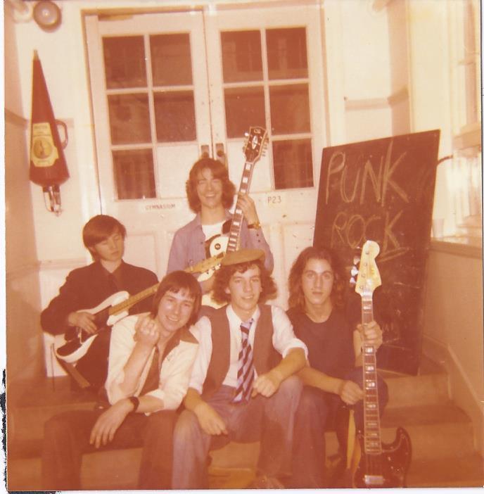 DBs 1976